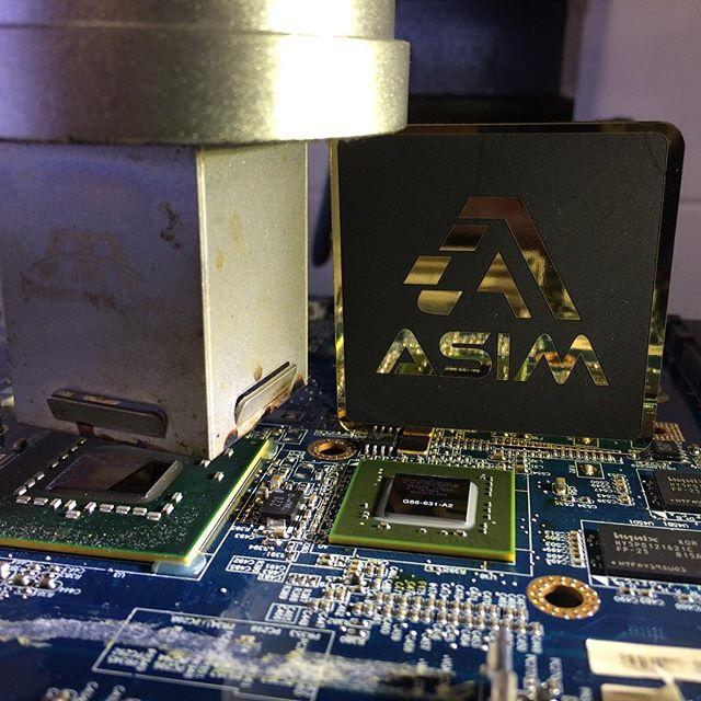 تعمیرات لپ تاپ در همدان