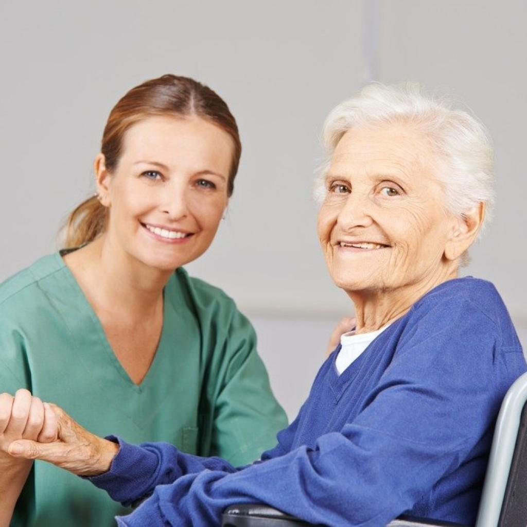 مراقبت از سالمند و بیمار در منزل و بیمارستان