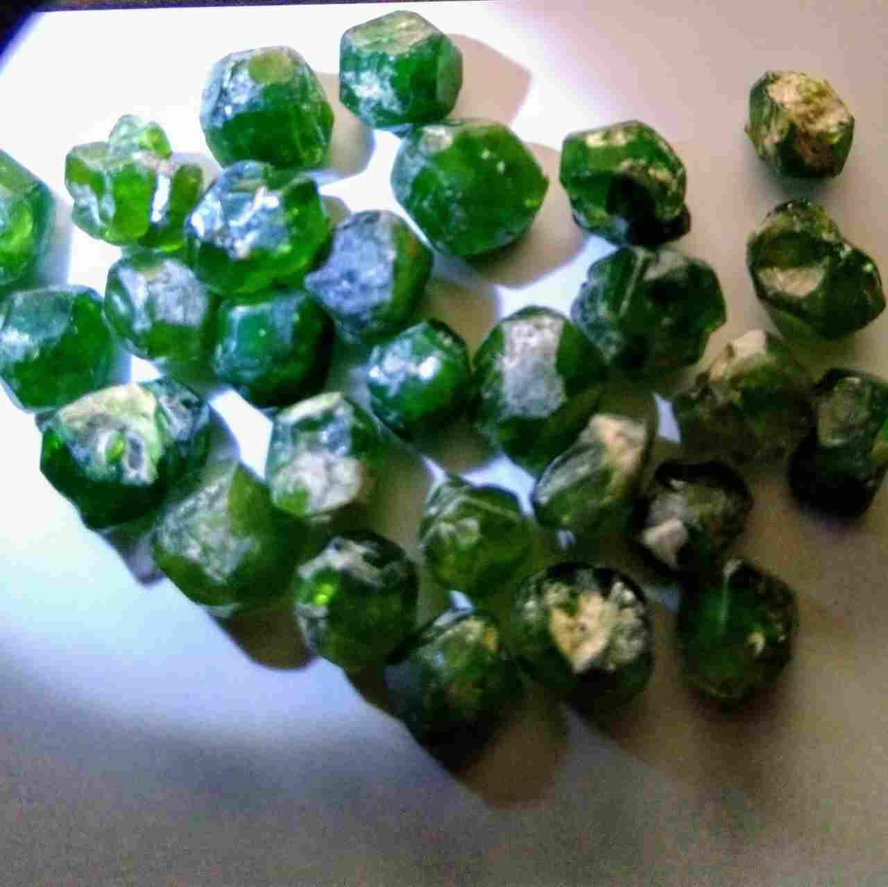 فروش سنگ های قیمتی و نیمه قیمتی