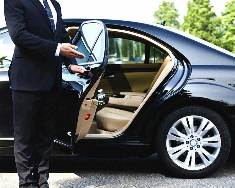 اجاره خودرو در مشهد کرایه خودرو در مشهد رنت کار مهربان
