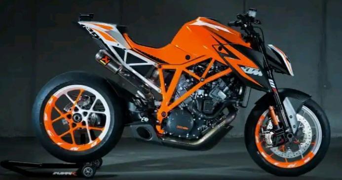 پنچری سیار موتورسیکلت پنچرگیری سیارموتورساز موتورسازی سیار درمحل