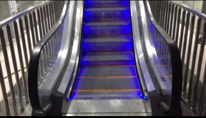 فروش ویژه انواع پله برقی داخلی تحت لیسانس آلمان