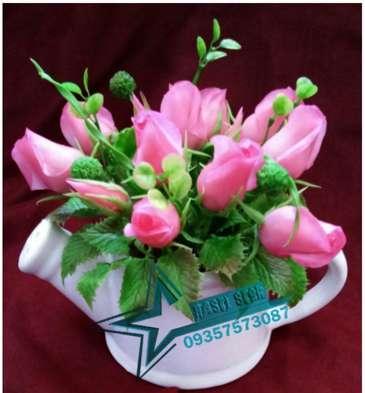گلدان و گل رز