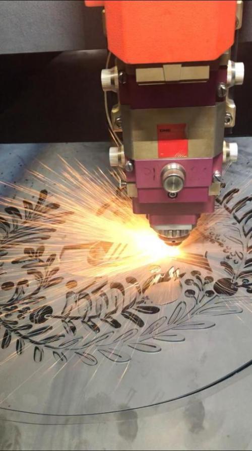 گروه داود تامین کننده دستگاه های صنعتی و قطعات صنعتی