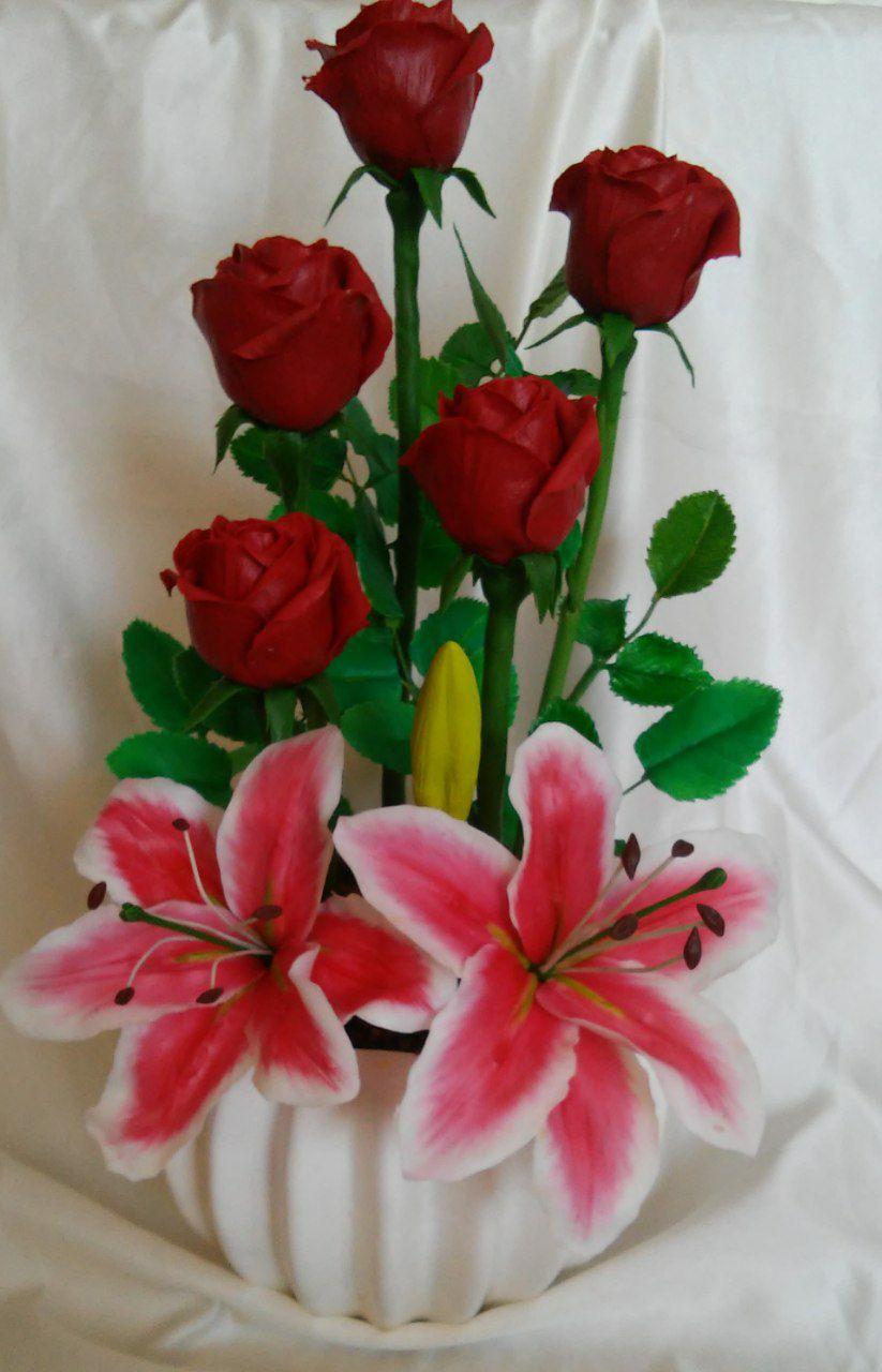 گل رز و لیلیوم